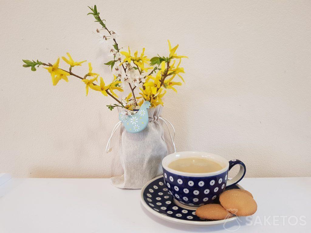 Stoffen zakjes presenteren zich uitstekend als omhulsels voor bloempotten en vazen