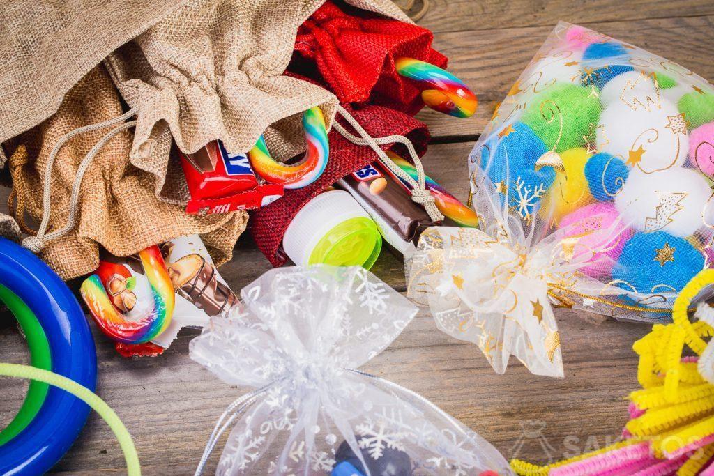 Verpakkingen voor kerstcadeaus voor kinderen.