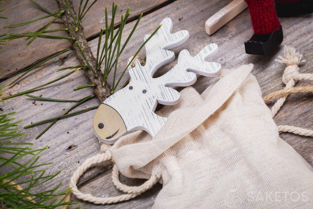Stoffen zakjes kunnen gebruikt worden als Kerstdecoratie
