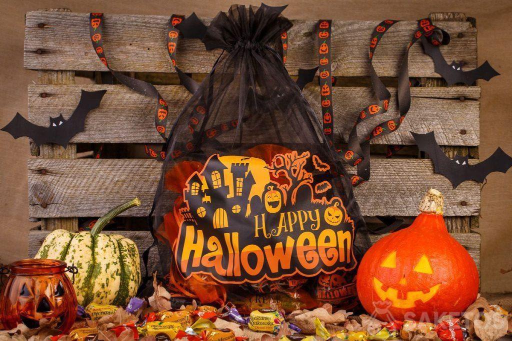 Organza geschenkzakjes zijn heel geschikt voor Halloween decoraties