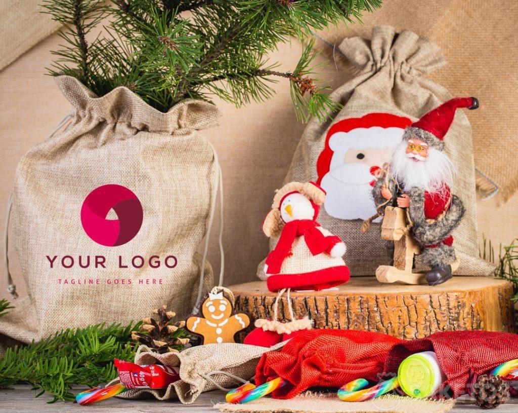 Stoffen tassen zien er elegant uit als kerstcadeauverpakking