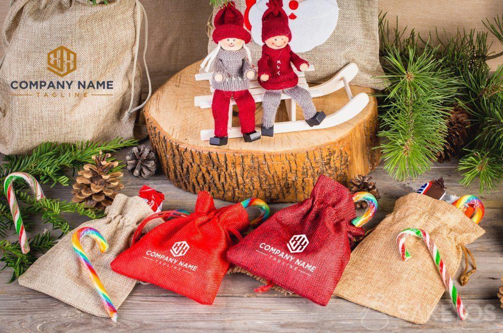 Inspiratie voor de feestdagen - gebruik van stoffen zakjes als geschenkverpakking