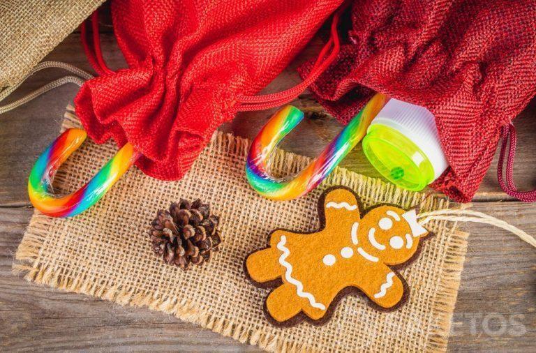 4. Kerstzakjes gemaakt van stof voor Sinterklaas-en Kerstgeschenken