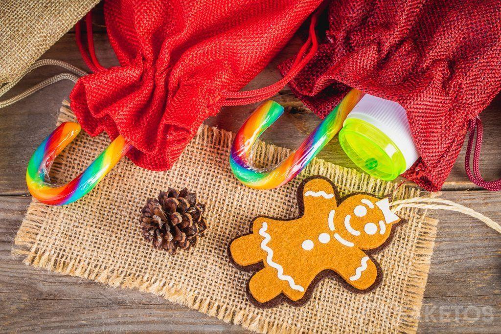 4.Kerstzakjes gemaakt van stof voor Sinterklaas-en Kerstgeschenken