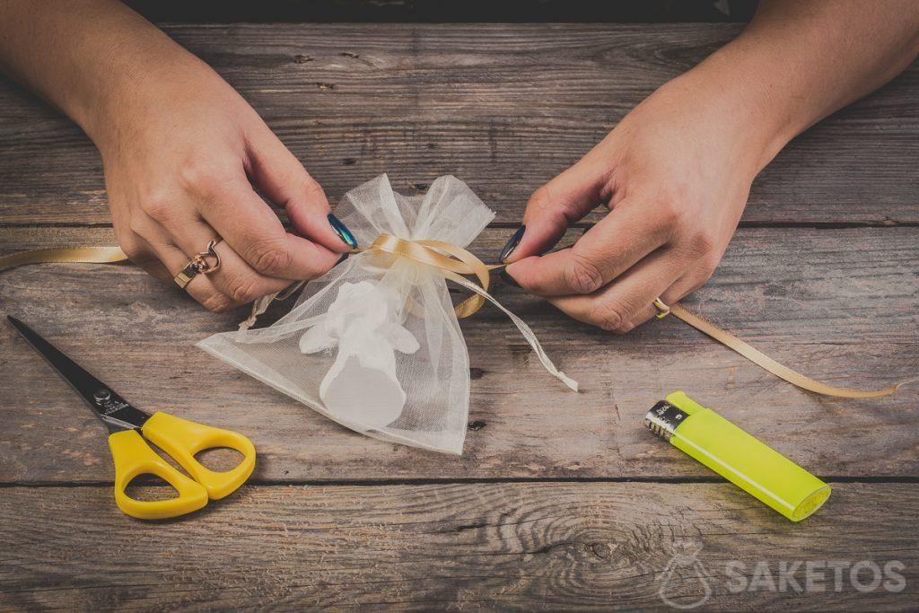 Een strik van een lint maken - stap 4