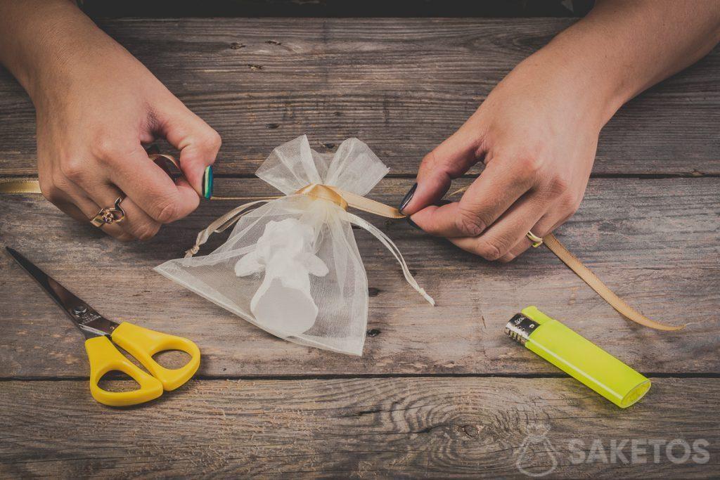 Een strik van een lint maken - stap 5