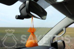 Silicagelzakje - een geurige luchtverfrisser voor de auto