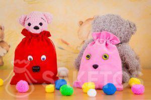 9.Zakjes van velours zijn ideaal voor het decoratief opbergen van speelgoed.