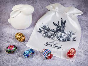 Satijnen cadeautasje met paasprint