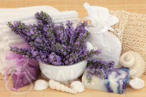 Cosmetica van lavendel voor de home SPA.